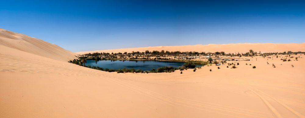 An image of the Ubari oasi in the Sahara desert, Fezzan, Libya, Africa. Shutterstock.