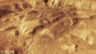 Photo of 5 Stumping New Images From Mars Reveal Large-Scale Erosion by Water, Wind and Ice