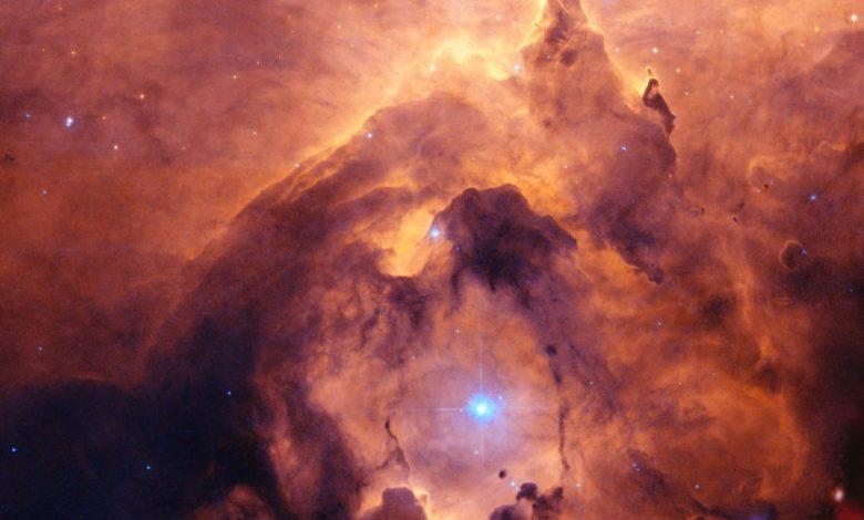 An image taken by the Hubble space telescope of the Pismis 24 star cluster. Image Crtedit: NASA, ESA and Jesœs Maz Apellÿniz. Acknowledgement: Davide De Martin (ESA/Hubble).