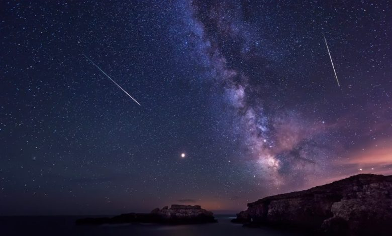Long time exposure night landscape with planet Mars and Milky Way Galaxy during the Perseids flow above the Black sea, Bulgaria. Shutterstock.