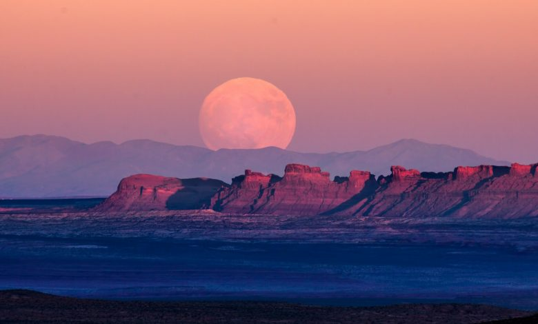 "Photo of April 7 Super ""Pink"" Moon: Are You Ready For The Biggest Supermoon of 2020?"
