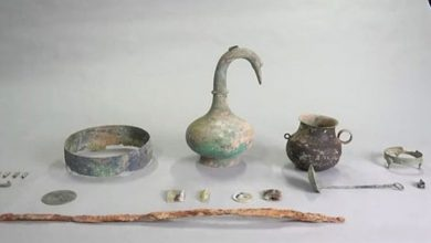 Photo of Chinese Archaeologists Find Ancient Vase Filled With Mystery Liquid