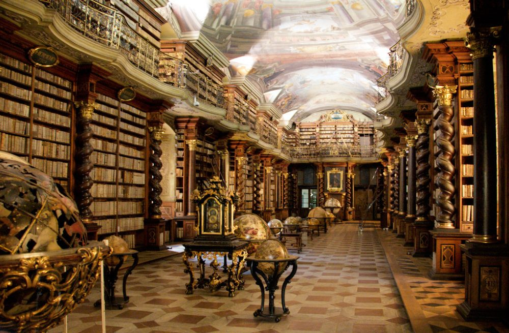 The Clementinum Library is home to more than 20,000 books, its frescoes illustrate science and art. Image Credit: BrunoDelzant / Flickr / Wikimedia Commons / CC BY 2.0.