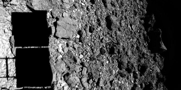 An image of Hayabusa2 landing on asteroid Ryugu. Image Credit: JAXA.