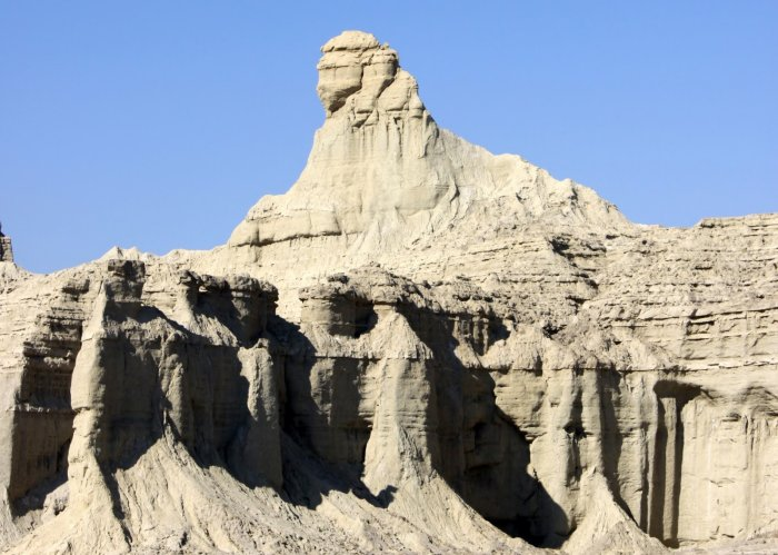 An image showing the so-called Balochistan Sphinx in Pakistan. Image Credit: Wikimedia Commons.