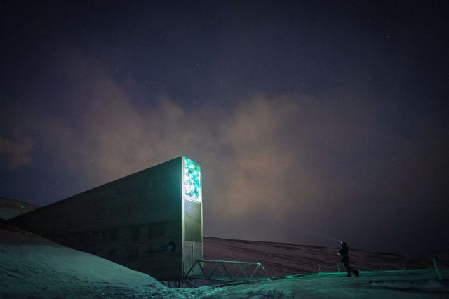 Dusk at the Svalbard Global Seed Vault. By Frode Ramone from Oslo, Norway - DSCF0896.jpg, CC BY 2.0.