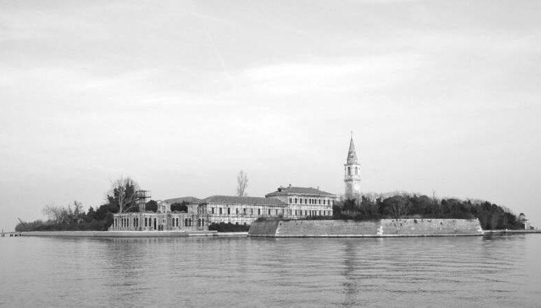 Front view of Poveglia.