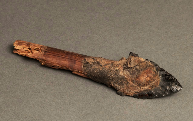 Obsidian knife made by the Paracas Culture. Source: Museo Chileno De Arte Precolombino