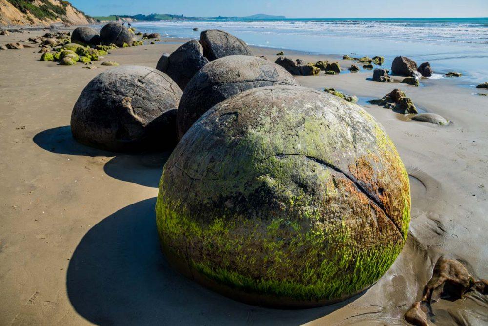 Stone Spheres in Moeraki, New Zealand. Credit: Megalithica.ru