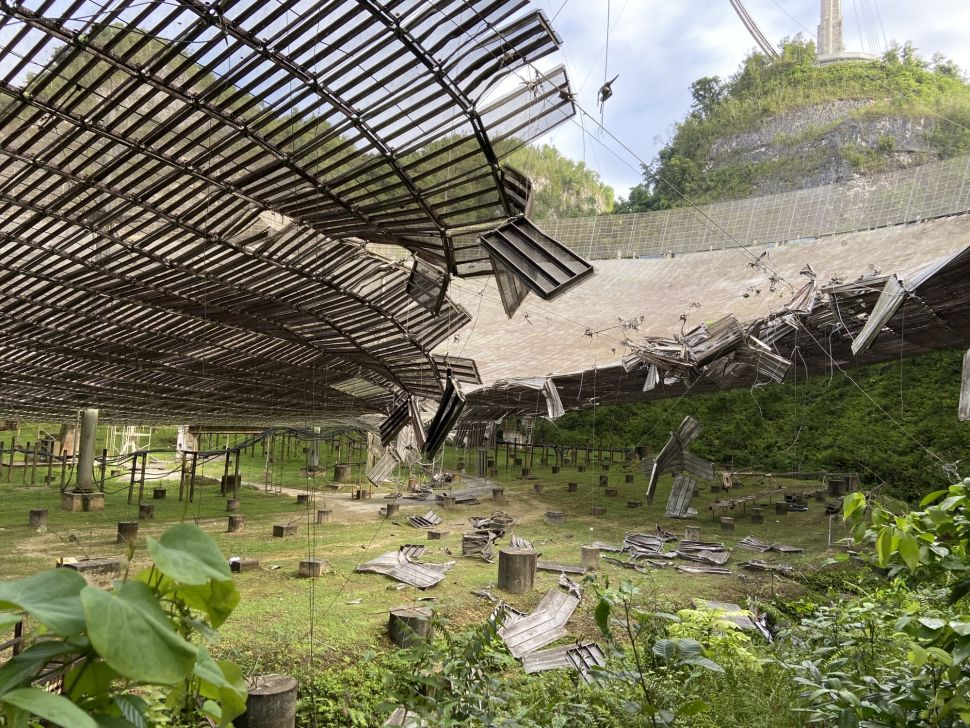Damage at the Arecibo SETI telescope after the first cable bust in August. Credit: University of Central Florida