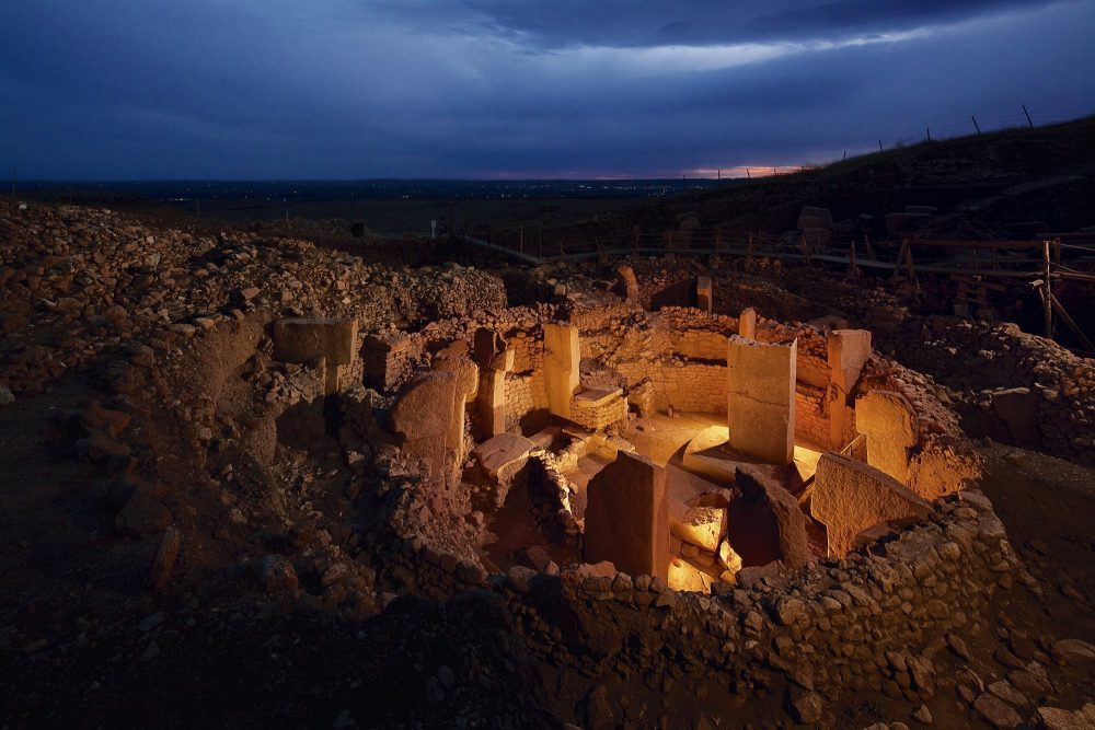 Gobekli Tepe is, by far, the oldest temple in the world and apparently, it is connected to a massive comet impact from around 13,000 years ago.