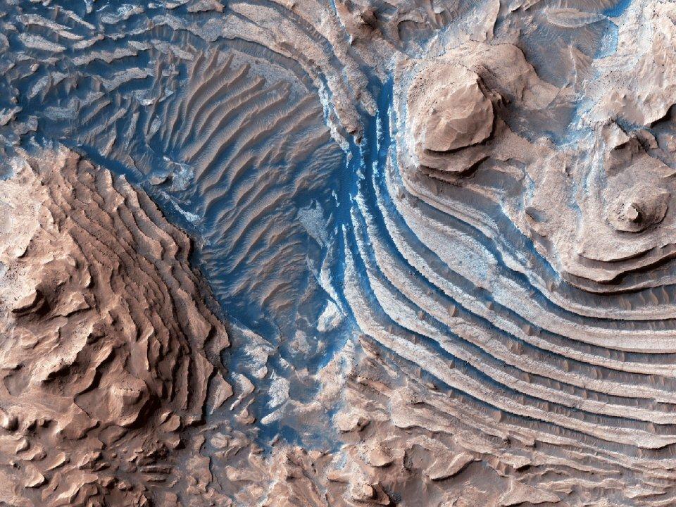 Magnificent sedimentary rocks from the Meridiani Planum. Credit: NASA/JPL/UARIZONA