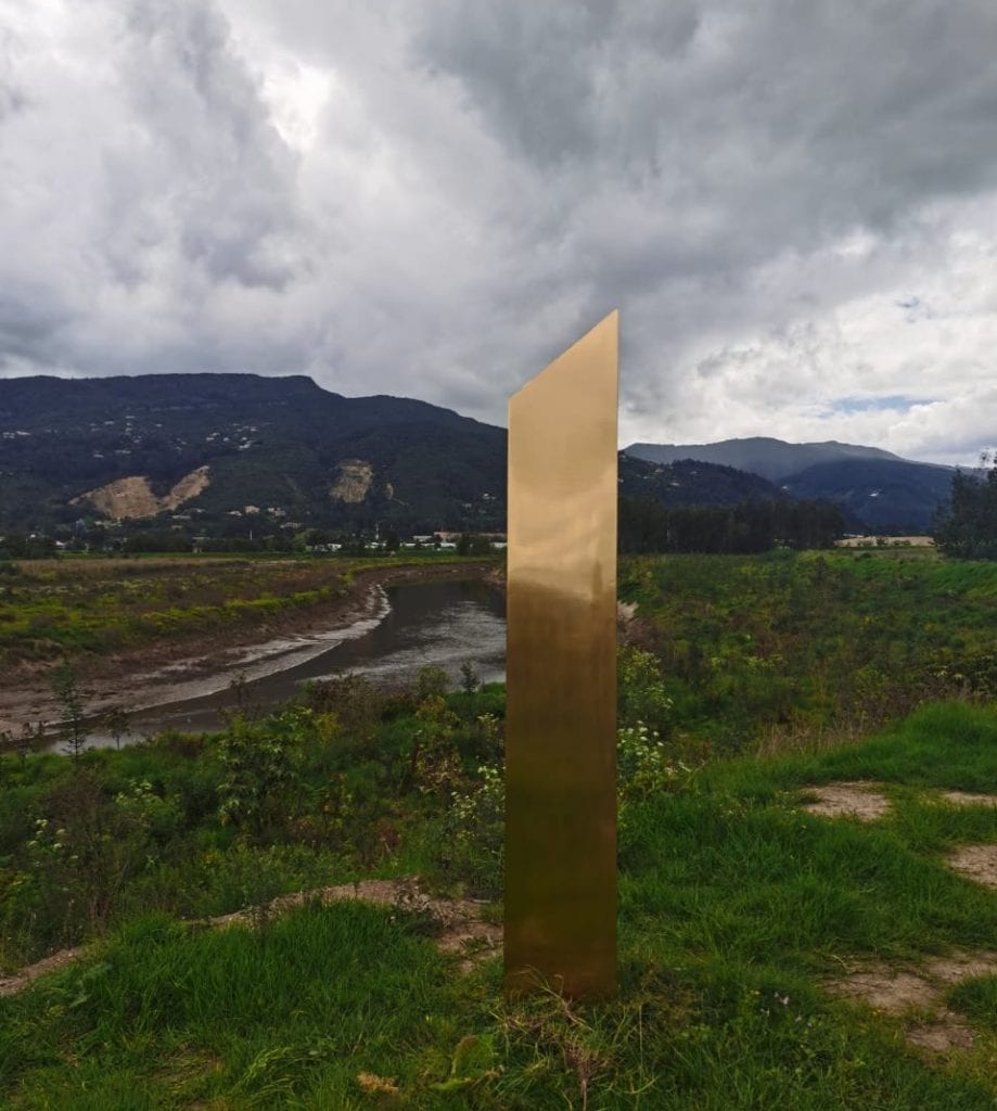 A better photograph of the Golden monolith in Colombia. Credit: Andrés Venegas Loaiza