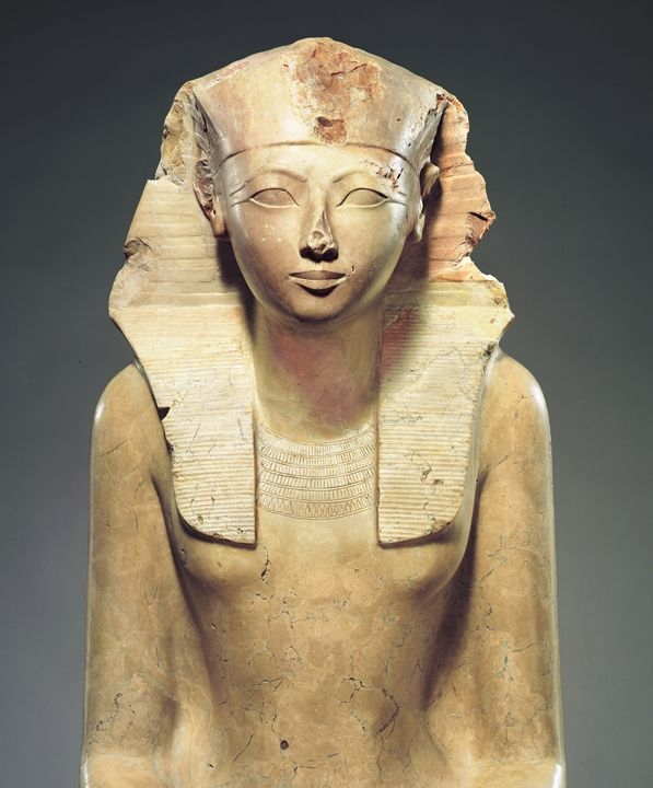 Statue of Hatshepsut on display at the Metropolitan Museum of Art. Source: Wikimedia Commons