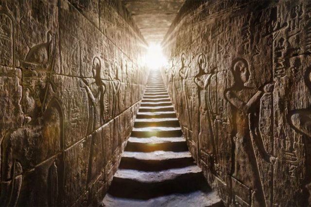 Inside the Temple of Horus at Edfu. Are there any doubts that ancient Egyptian writing is not the most magnificent hieroglyphic script? Credit: Ancient Origins