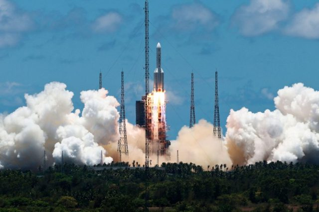 Tianwen-1 during its launch on July 23, 2020. Six months later, it has passed more than 400 million kilometers. Credit: MIT Technology