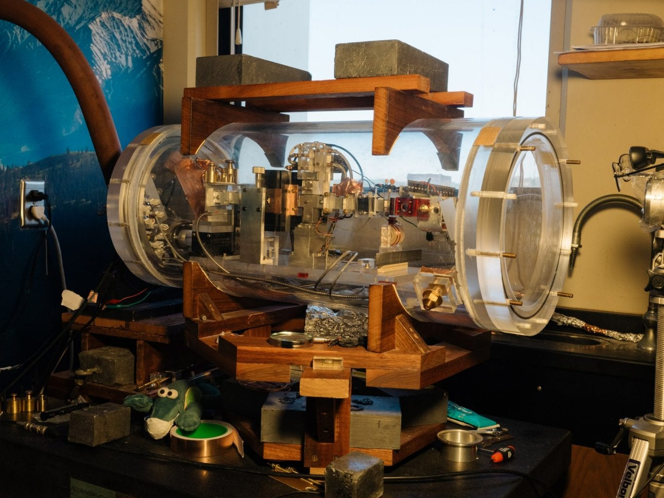 Professor Woodward's MEGA drive thruster test device put in a homemade vacuum chamber. Credit: Rozette Rago / Wired