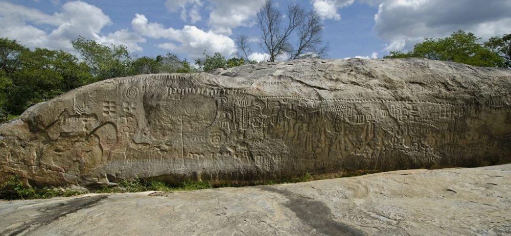There are hundreds of engravings on Pedra do Inga and many have astronomical meanings. Credit: IgorSuassuna / Pixabay