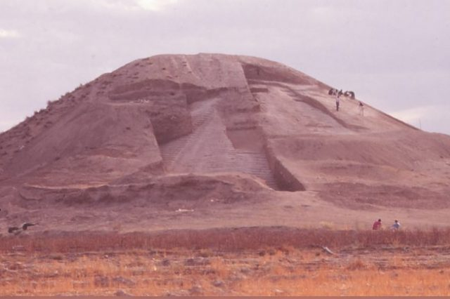 Scientists say that the oldest war memorial in the world resembles the pyramid of Djoser. Credit: Euphrates Salvage Project & Antiquity Publications