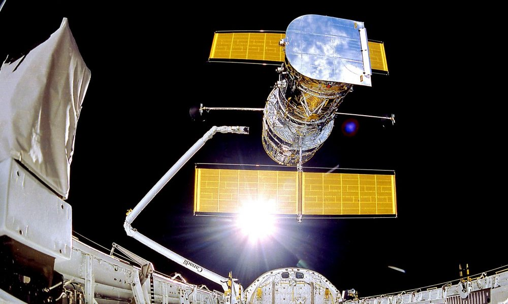 The Hubble Space Telescope when it was deployed in April, 1990 from the Discovery space shuttle. Now, Hubble is in safe mode due to malfunctions. Credit: NASA/Smithsonian Institution/Lockheed Corporation