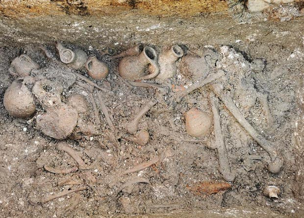 Group burial in a stone tomb in the necropolis of Hvar. This tomb included the remains of 12 people. Credit: Kantharos / Facebook