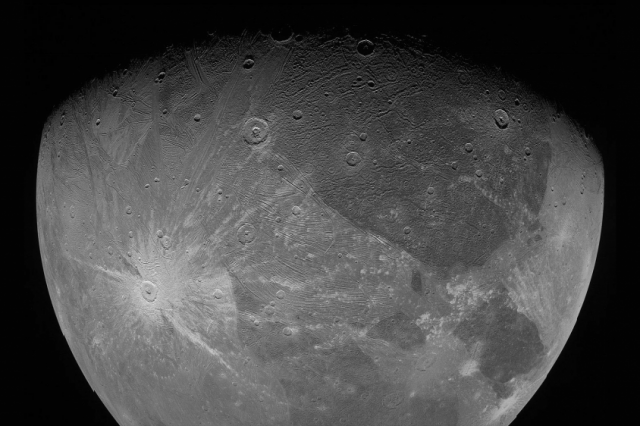Another image of Ganymede obtained by the JunoCam during its latest flyby on June 7, 2021. Credit: NASA/JPL-Caltech/SwRI/MSSS