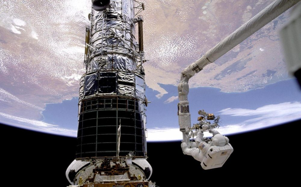The first servicing mission to the Hubble Telescope. Credit: NASA