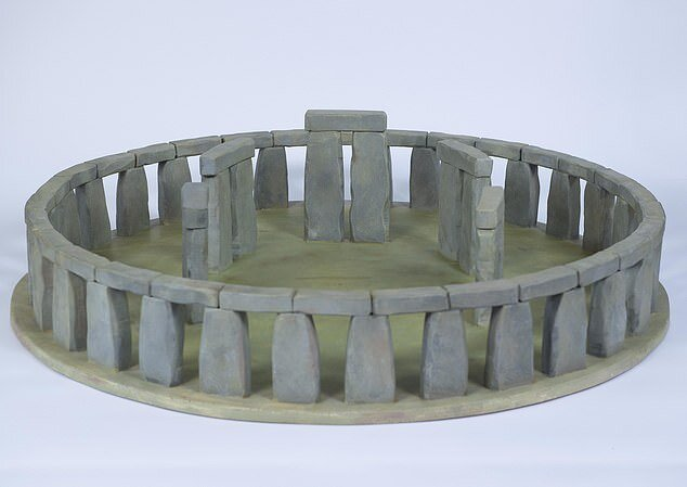 This is how Sarah envisions the base structure of Stonehenge based on what has remained to this day. Credit: Sarah Ewbank