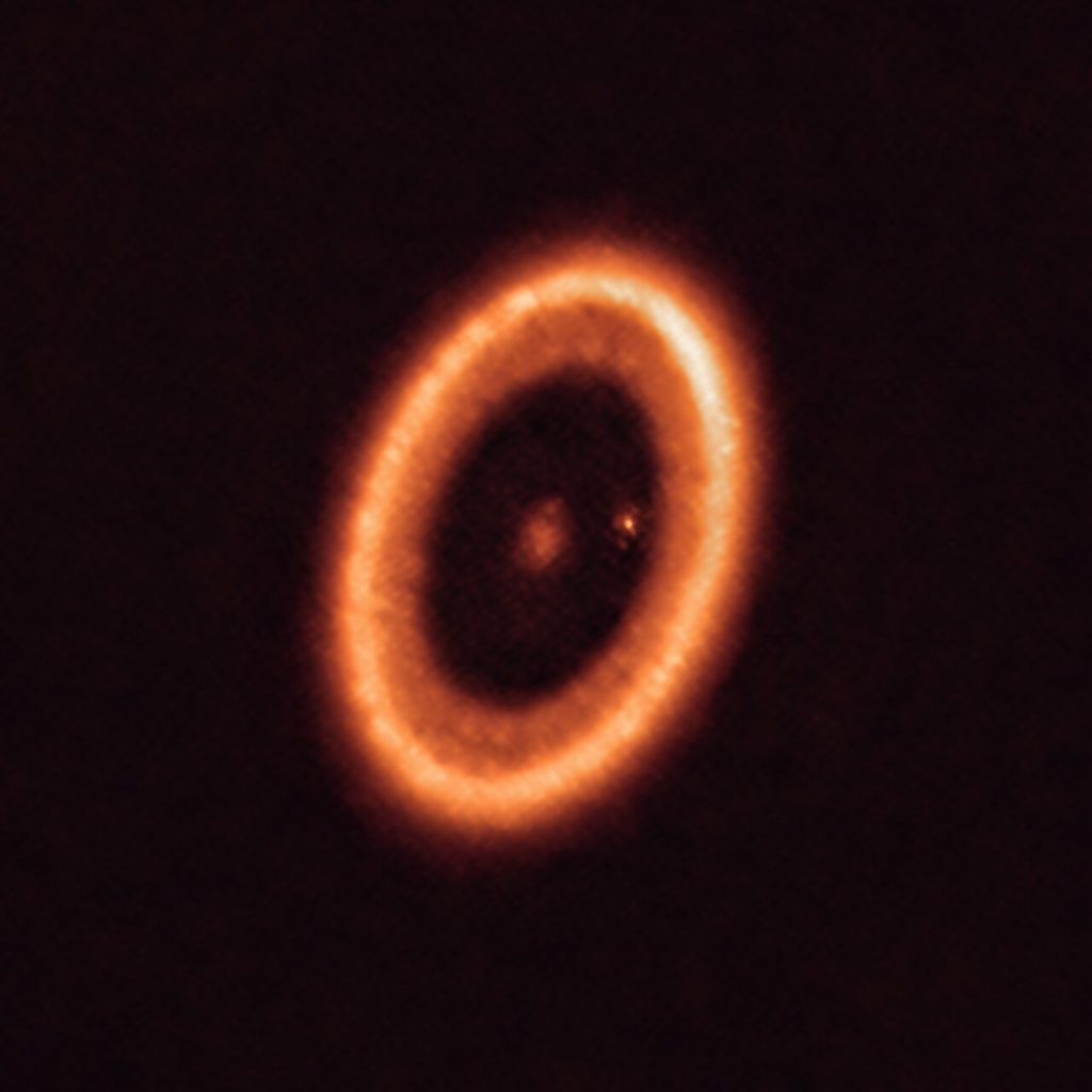 The original image of the PDS 70 system and its moon-forming disc, obtained by ALMA. Credit: ALMA, Myriam Benisty et al.