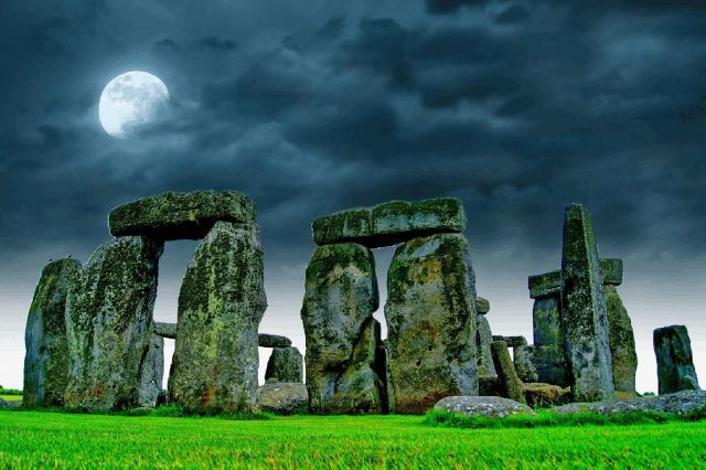 There is a brand new theory about the construction of Stonehenge that involves a clever machine. Credit: Jumpstory