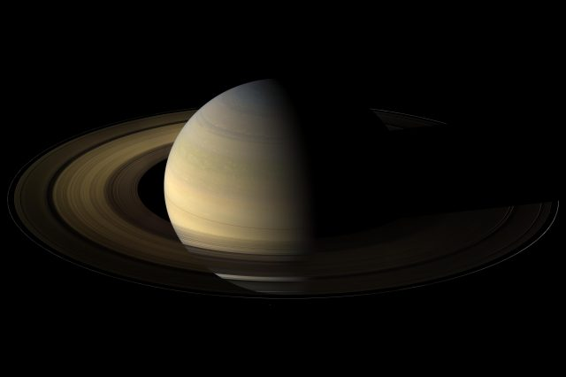 Planetologists found a link between Saturn's rings and the size of the planet's core. Credit: NASA/JPL/Space Science Institute
