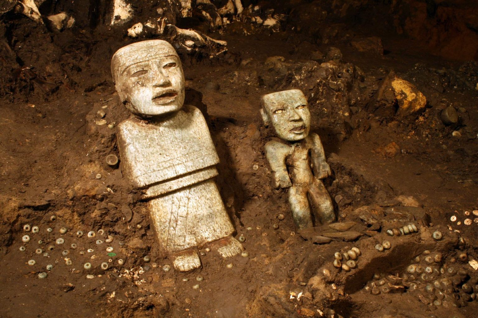 Offerings to the gods discovered in 2011. Credit: La Jornada
