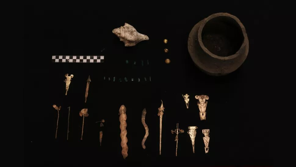 Other artifacts that were discovered during the excavations. Credit: Francisco Correa